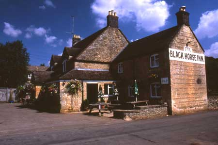 Cotswolds Black Horse Inn